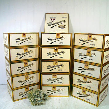 Muniemaker Cigar Boxes Set of 15 Free Shipping Cigar Boxes with Gold Trimmed White Paper Wrap Square Lidded Boxes for Display Projects Props