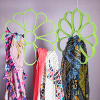 ModCloth Dorm Decor Cultivate Organization Scarf Hanger in Green