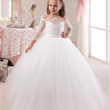 2017 New Cute White Iovry Lace Flower Girl Dresses With Sleeves for Weddings Children Prom Gown Girls First Communion Dresses