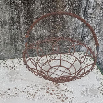 Best Vintage Wire Baskets Products on Wanelo