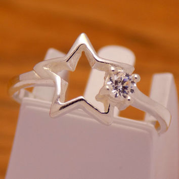Gently Sterling Silver White Cubic Zirconia Star Ring 925 Hallmark Fashion Cool Stylish Charm Beautiful Handmade Handcrafted Size 5.75 US/ L