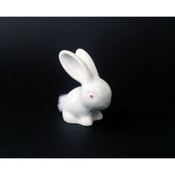 Vintage Bunny Cotton Ball Holder / Ceramic Rabbit / Japan