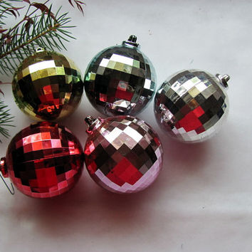 5 Plastic Disco Christmas  Ornaments / 5 Disco Vintage  Ornaments / Retro Christmas Ornament