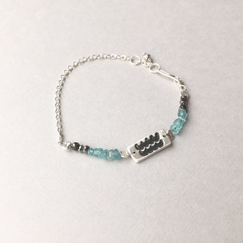 Delicate Aquarius Aquamarine Bracelet, Dainty Gemstone Stacker, Ocean Waves Inspired Thin Beaded Bracelet, March Birthstone Gifts for Women