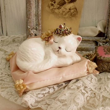 Vintage Princess White Kitten rhinestones crown figurine Baby cat sleeping in Pink pillow shabby chic home decor