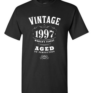 18th Birthday Gift Vintage 1997 T-shirt Tshirt Tee Shirt Eighteen Adult Funny Whisky college Twenty-First Hipster bday Son Daughter Drinking