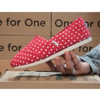 Toms Casual Slip Ons Womens Classic Canvas Shoes Red Polka Dot