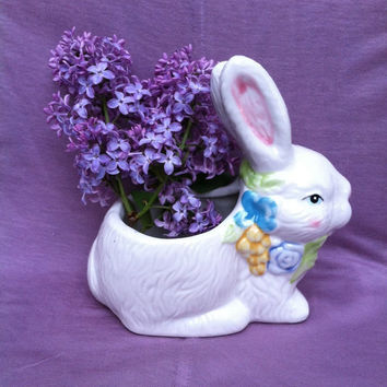 Bunny Planter Vintage Ceramic Rabbit Planter Floral Bunny Figurine Bunny Plant Pot Rabbit Home Patio Deck Decor Small Porcelain Bunny Pot