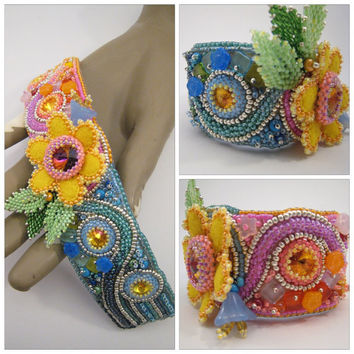 Pastel colored Bracelet, Bead Embroidery Cuff, Spring colours, Colorful Bracelet, Cuff with Swarovski Rivoli, Felt Flower, Candy Colours
