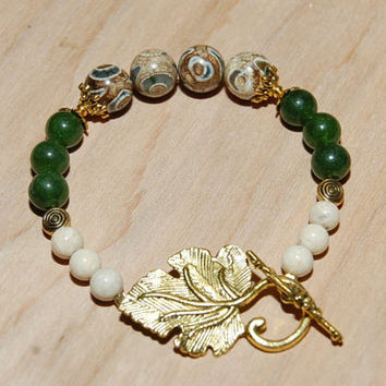 Healing Bracelet of Tibetan Retro Agate Riverstone Green Jade Reiki Infused Jewelry Gold Ivy Leaf Toggle Clasp Boosts Energy