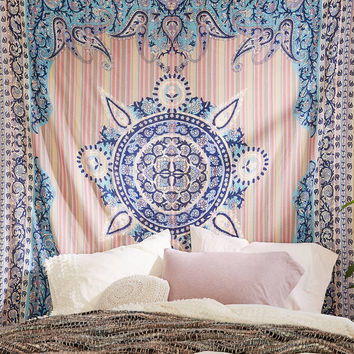 Plum & Bow Estelle Medallion Tapestry | Urban Outfitters