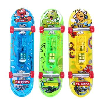 2Pcs Mini Skateboard Toys Finger Board Boy Kids Table Game Finger Skateboard Toy LED Flashing Random Color