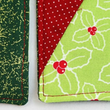Patchwork Christmas Coasters, Scrappy Coasters, Set of 4, Holiday Coasters, Hostess Gift, Holiday Mug Rugs