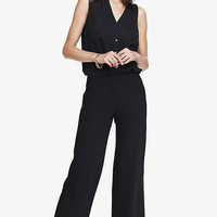 Soft Suiting Crepe Cropped Pant from EXPRESS
