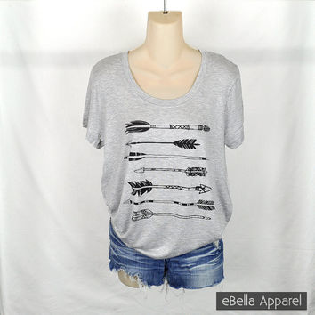 Horizontal Arrow - Women's Short Sleeve Grey Plus Size, Graphic Print with Stones Shirt