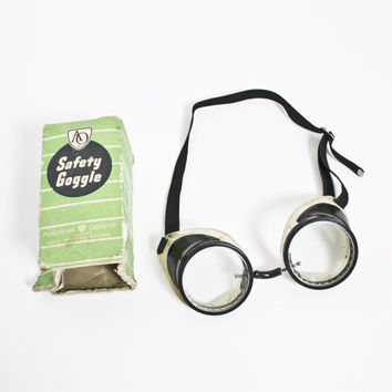 Vintage 1940s Safety Goggles - Glass Lens Work Glasses AO Steampunk Original Box