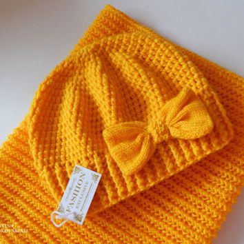 Black friday sale. Crocheted hat and Scarf Set