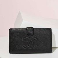 Vintage Chanel Caviar Leather Bifold Wallet