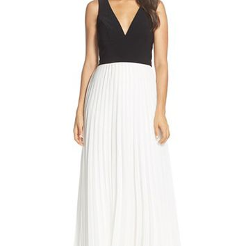 Women's Xscape Colorblock Chiffon Fit & Flare Gown,
