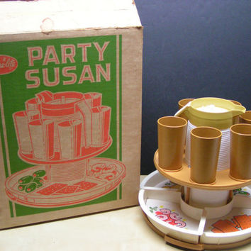 RARE FIND Vintage Steri-Lite Party Susan 12 Piece Turntable Snack & Beverage Set Super Retro, Hip, Fun, Kitschy Entertaining Picnic BBQ