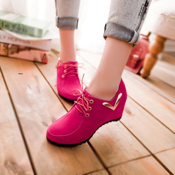 Sweet Leisure Lace-Up Metal Increased Shoes