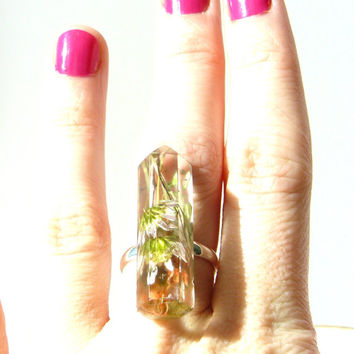Real Flower Ring, Resin Crystal Jewelry, Preserved Flowers, Botanical Jewelry, Plant Specimen, Boho Jewelry, Nature Lovers, Daisies