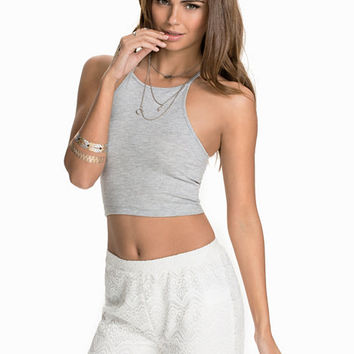 Tight Neckline Top, NLY Trend