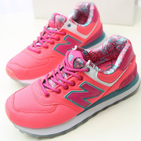 NEW BALANCE Women Men Casual Running Sport Shoes Sneakers The inside printing Roses