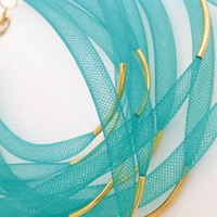 BIB NECKLACE NYLON Tubular green network. Choken golden tubes