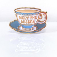 """Jim Henson's Labyrinth Movie """"Meet the Missus"""" Collectible Teacup Pin"""