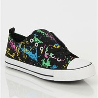 low top sneaker with splattered paint print