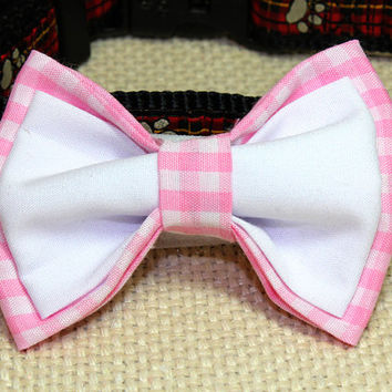 Medium Sized Pink Gingham and White Bowtie. Light Pink Checkered Cotton with White Dog Bow tie. Cat Bowtie for Spring Wear. Great for Girls