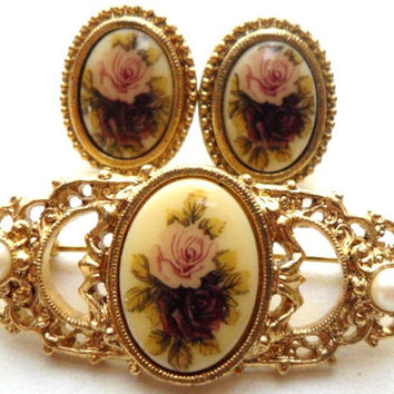1928 Victorian Rose Cameo Faux Pearl Demi Set