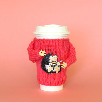 Valentines coffee cozy. Gift for her.  Loves me loves me not pink cup cozy. Hedgehog mug sweater. Funny mug cozy. Cup sleeve Cup cozy.
