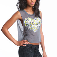 DAISIES HEART GRAPHIC TEE