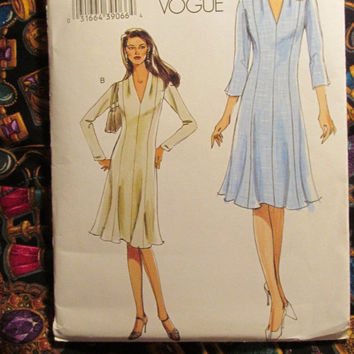 Sale Uncut Very Easy Vogue Sewing Pattern, 7994! 16-18-20-22 Large/XL/XXL/Plus Women's/Misses/Raised Neckline Aline Dress/Long Sleeves/Summe