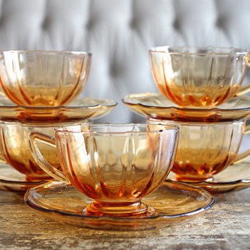 Vintage Set Of Five Amber Glass Cups And Saucers // Amber Glassware // Depression Glass Cups // Thanksgiving Decor // Thanksgiving Dinner