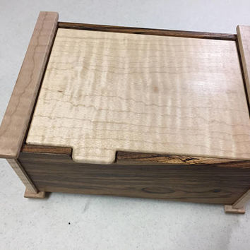 Handcrafted Mesquite & Figured Maple Jewelry/Keepsake Box