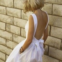 S T Y L E . / white & backless!