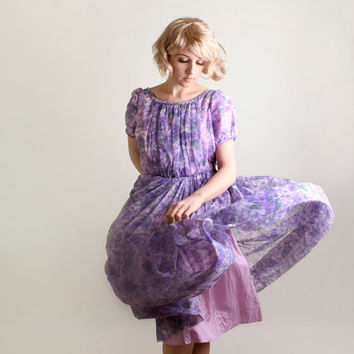 Vintage 1960s Dress - Floral Day Dress in Light Lavender, Plum and Lilac - Large