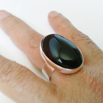 Oval Black Onyx  Ring hand made with Sterling Silver and Large gemstone 30 x 22 mm using as statement, Cocktail, in Fashion Jewelry .