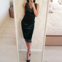 Fashion Solid Color Sleeveless Lace Stitching V-Neck Velvet Dress