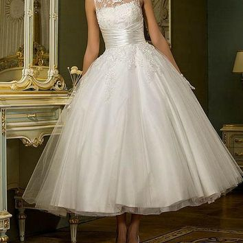 New Stunning Tea Length Lace Organza and Tulle Wedding Dress Sz 2-26W