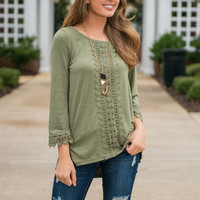 Mountain Vacay Top, Olive