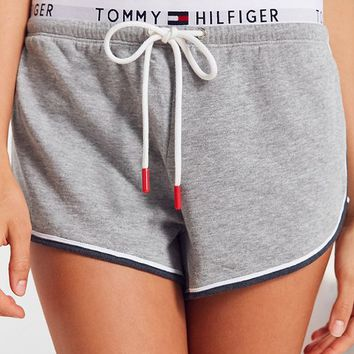 Tommy Hilfiger X UO Retro Short | Urban Outfitters