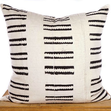 18 inch White African Mud Cloth Pillow Cover with Black Tribal Bar Pattern