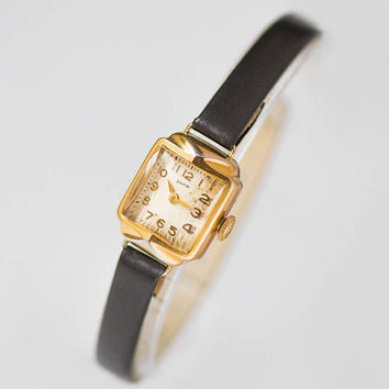 Women Watch Art Deco Style. Ladies Gold Plated Watch Square. Vintage Cocktail Watch for Women Dawn Retro watch her New Premium Leather Strap