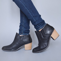 Trail Blazer Bootie Black