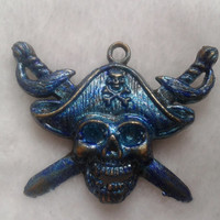 Pirates of the Caribbean Blue blended mixed skull with swords  bronze   brooch  pin