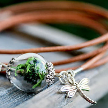 Wrist Bracelet with genuine leather and real Moss in vial glass, real leather bracelet dragonfly charm, moos in glass globe